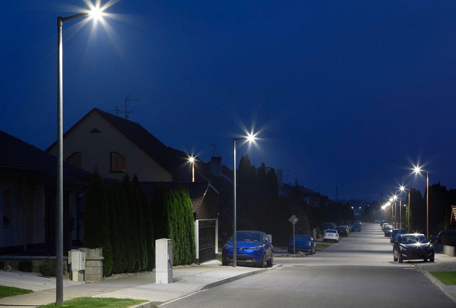 Iluminación de calles residenciales con la luminaria Vial MAYJA Ref.788